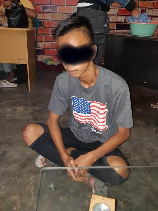 RY yang berstatus siswa itu ditangkap setelah diduga kuat sebagai pelaku paneh wayer terhadap Riki Podungge. RY ditangkap saat berada di rumah.