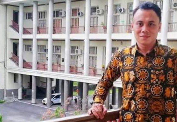 Funco Tanipu, Sosiolog Gorontalo