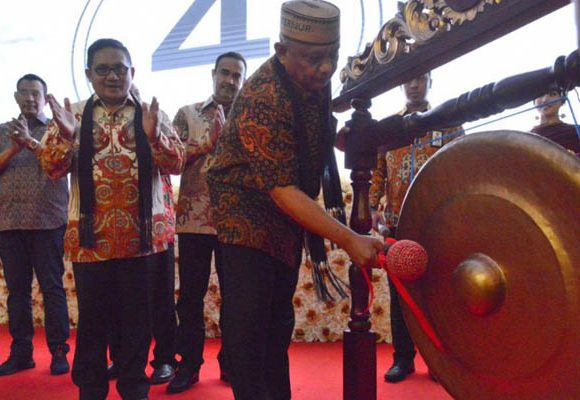 Rusli Habibie meresmikan hotel Horison Nayumi Gorontalo dan berharap sumber daya lokal dapat dimanfaatkan