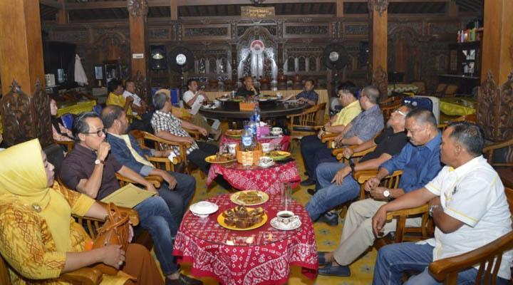 rapat penentuan ketua deprov Gorontalo