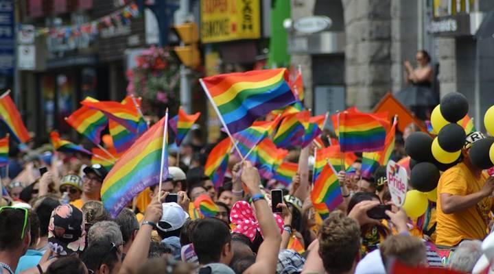 Kaum Gay mendominasi