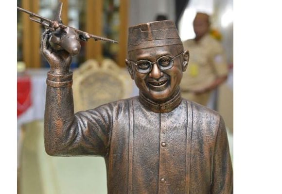 Patung BJ Habibie