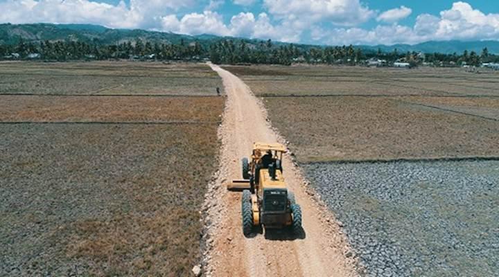 Pembangunan jalan tani