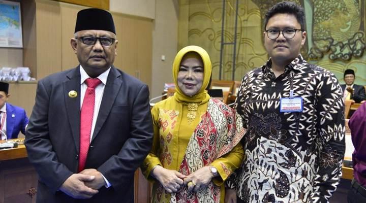 Idah Syahidah bersama keluarga
