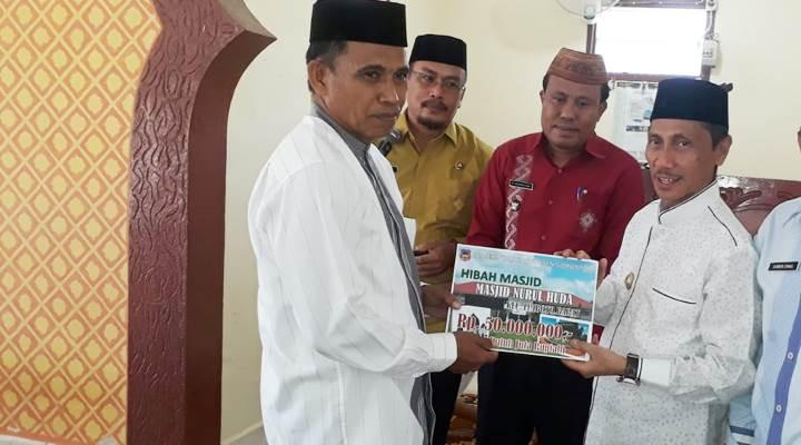 Pembangunan masjid di Pone