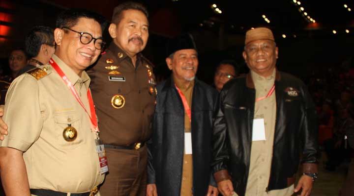 Rusli Habibie dan ST Burhanuddin reuni di Rakornas
